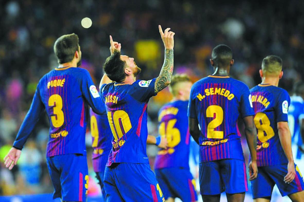 Messi d'un  triplé, éclaire  le derby, Dembélé  bizut et passeur
