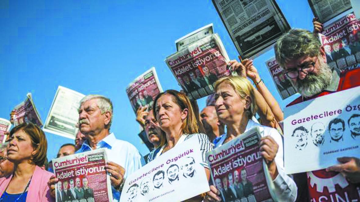 Reprise du procès du quotidien  anti-Erdogan Cumhuriyet