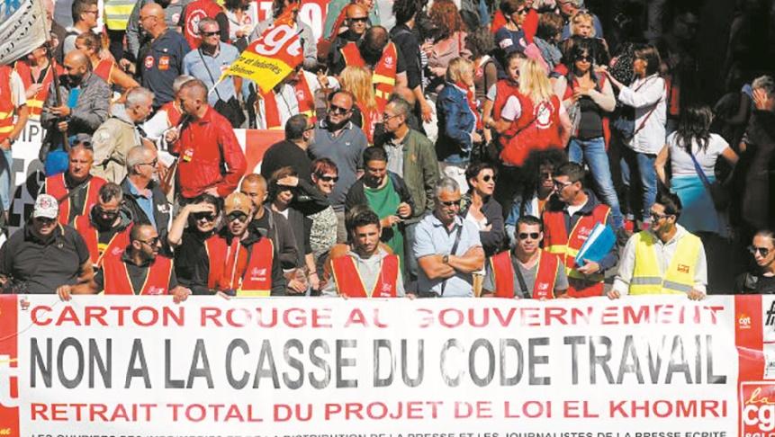Le gouvernement français se veut ferme malgré les manifestations