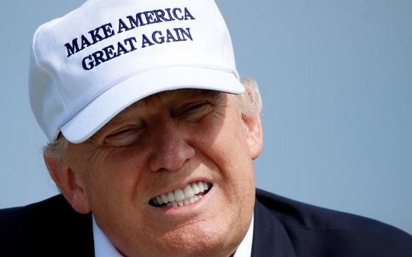 Insolite . La casquette  de Trump