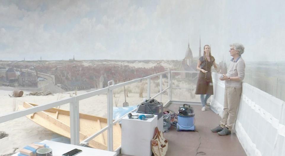 Une oeuvre d'art gigantesque dépoussiérée sous les yeux du public aux Pays-Bas