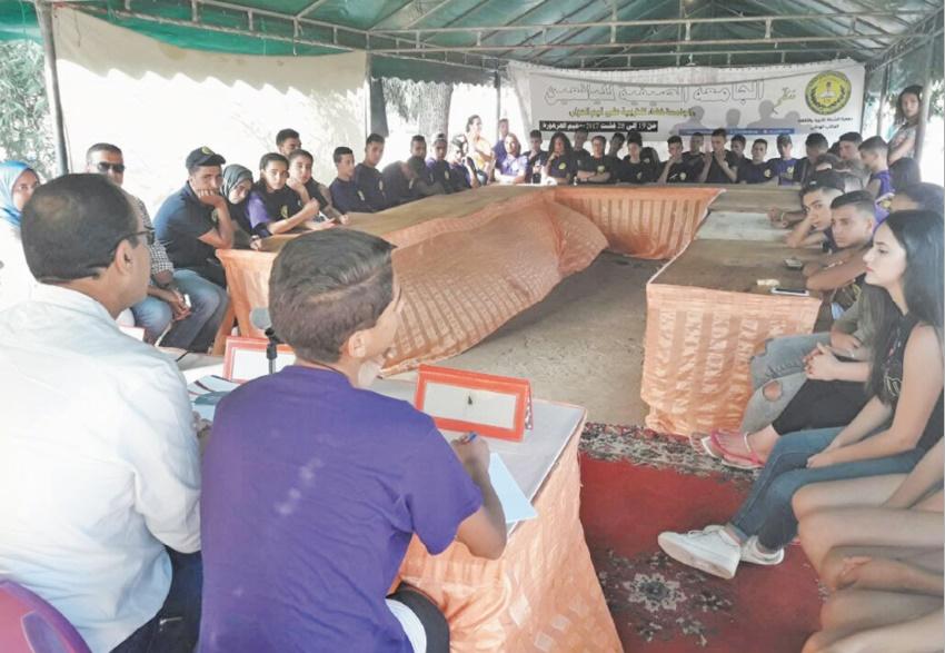 Chouala à l'écoute des jeunes à Harhouras
