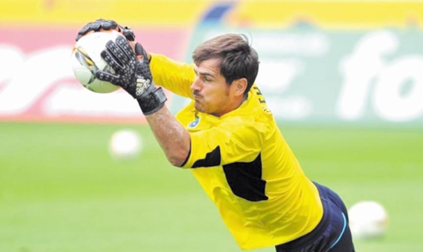 Casillas, gage d'expérience d'un Porto qui se cherche