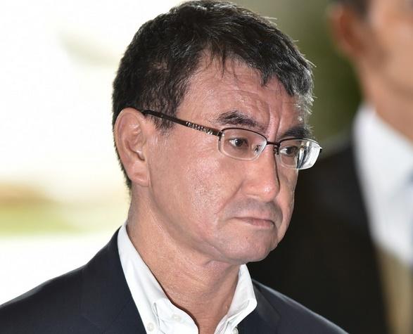 Insolite : Un ministre critiqué par son père