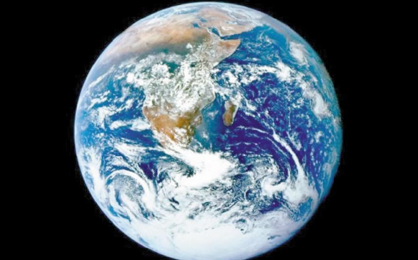 Des météorites dans des mares chaudes à l'origine de la vie sur Terre