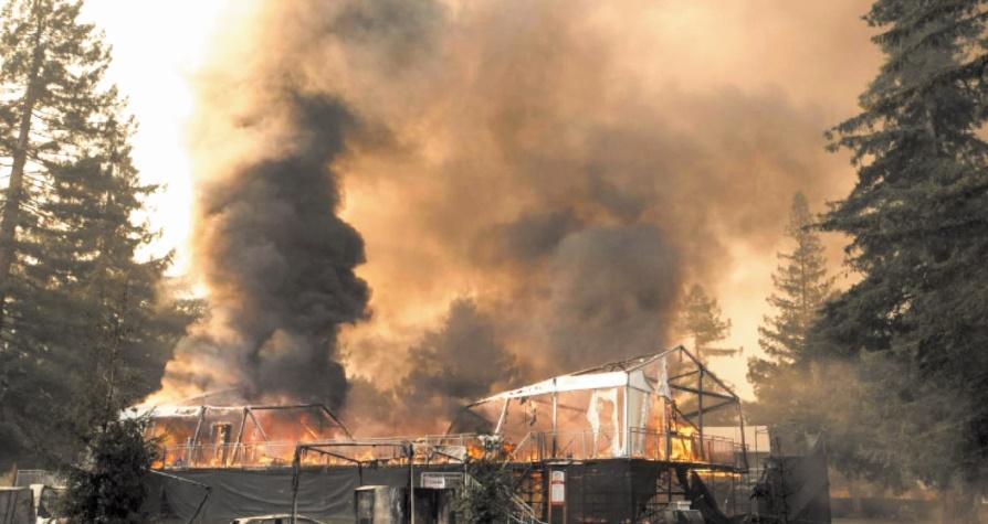 Dix morts dans des incendies monstres en Californie
