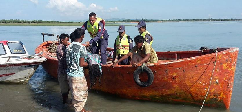 8 morts dans le naufrage de réfugiés rohingyas au Bangladesh