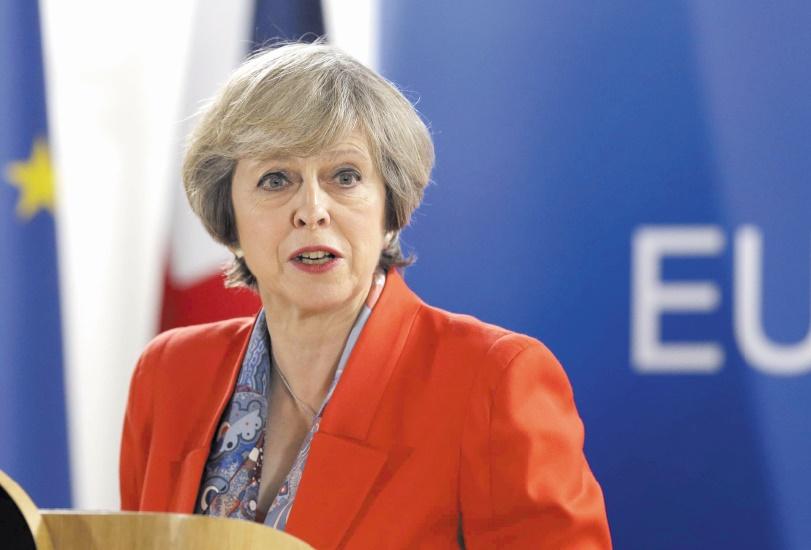May veut convaincre les 27 d'avancer sur leurs relations post-Brexit