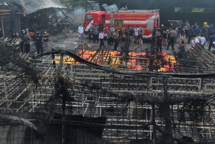 23 morts dans l'incendie d'une usine de feux d'artifice en  Indonésie