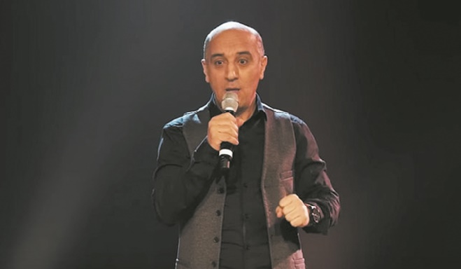 Hassan El Fad en tournée internationale avec ''Who is Kabour''