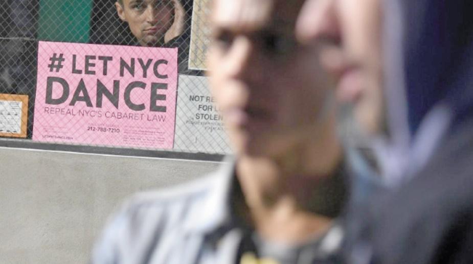 Une vieille loi interdisant la danse bride les nuits new-yorkaises