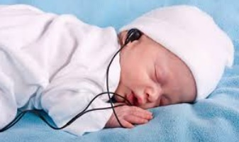 Plaidoyer pour un programme de dépistage de la surdité chez les petits enfants et les nouveau-nés