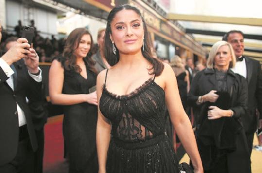 Salma Hayek accuse à son tour Weinstein