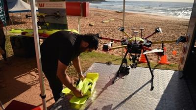 Des drones surveillent les plages à la recherche de requins