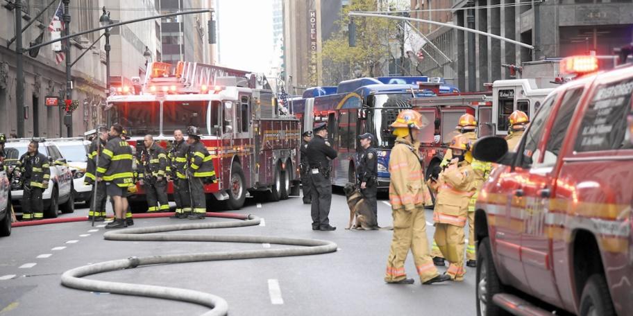 Enormes incendies à New York et Bombay