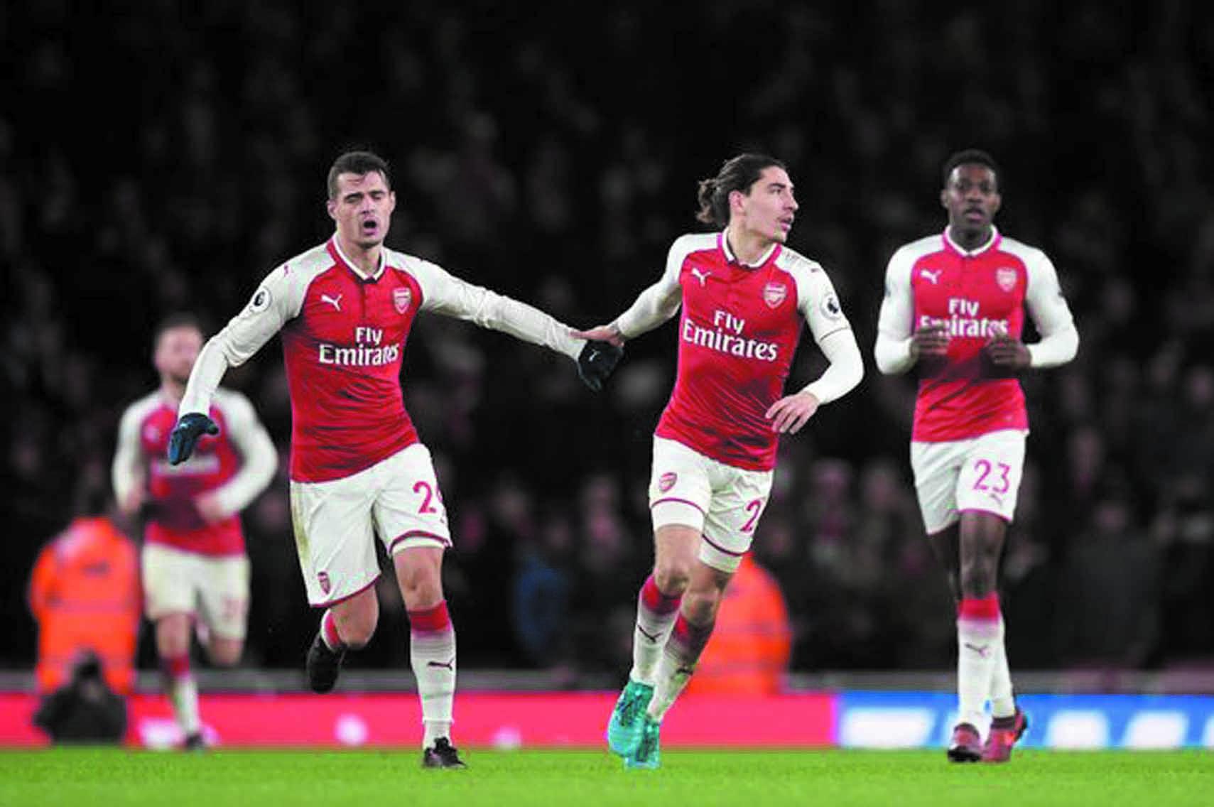 Arsenal voit la C1 s'éloigner