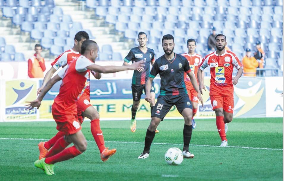 Les clubs marocains de football passeront en SOS en août prochain