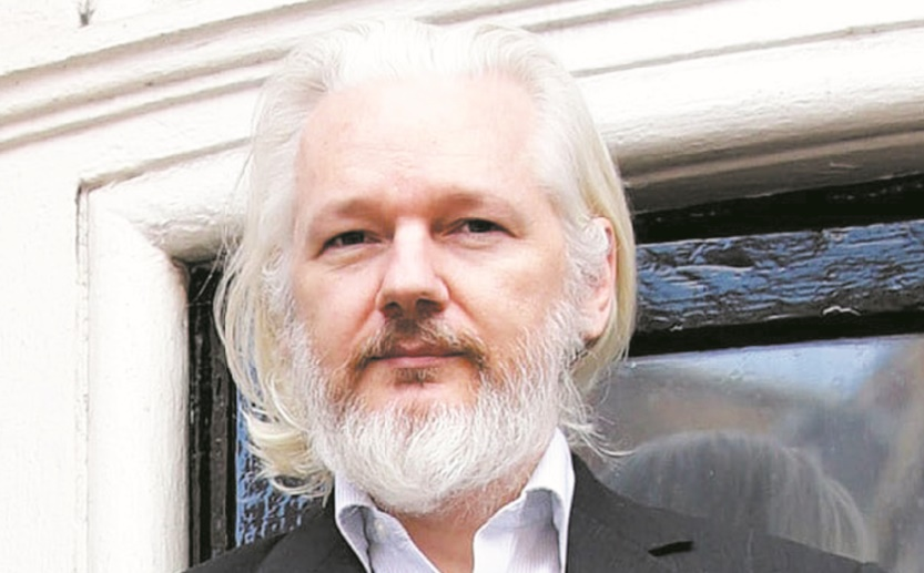 "Julian Assange, ""cyber-warrior""  énigmatique et controversé"