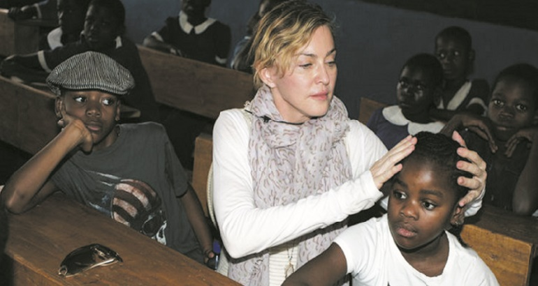 Madonna ouvre quatre écoles au Malawi