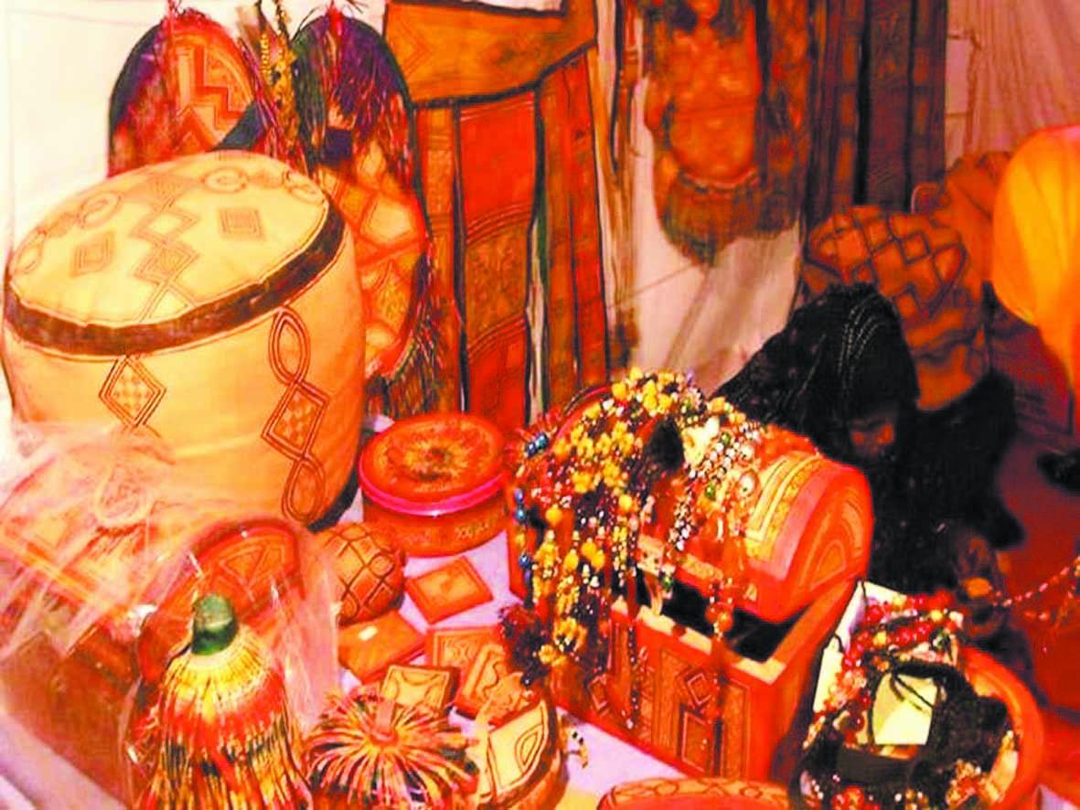 Réunion à Laâyoune sur l'état d'avancement des projets du secteur de l'artisanat