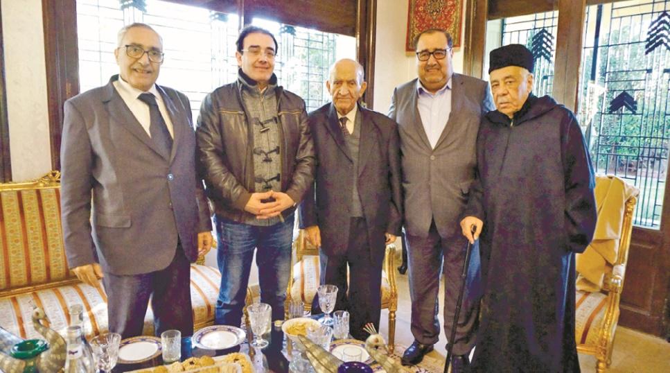 Une délégation de l'USFP rend visite au résistant Mohamed Benhamou