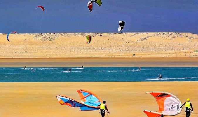 Dakhla prête à accueillir les qualifications  continentales aux JO de la Jeunesse du kitesurf