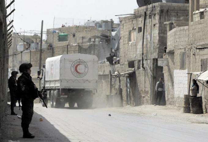 Un convoi d'aides entre dans le fief rebelle de la Ghouta