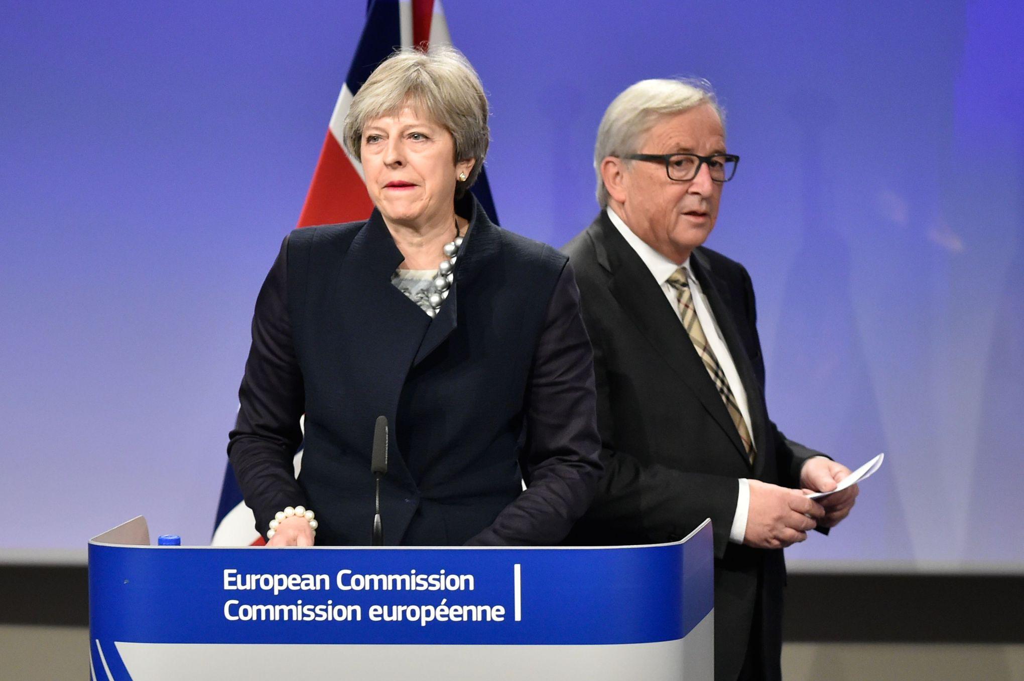 Des parlementaires britanniques mettent en garde contre le retard des négociations sur le Brexit