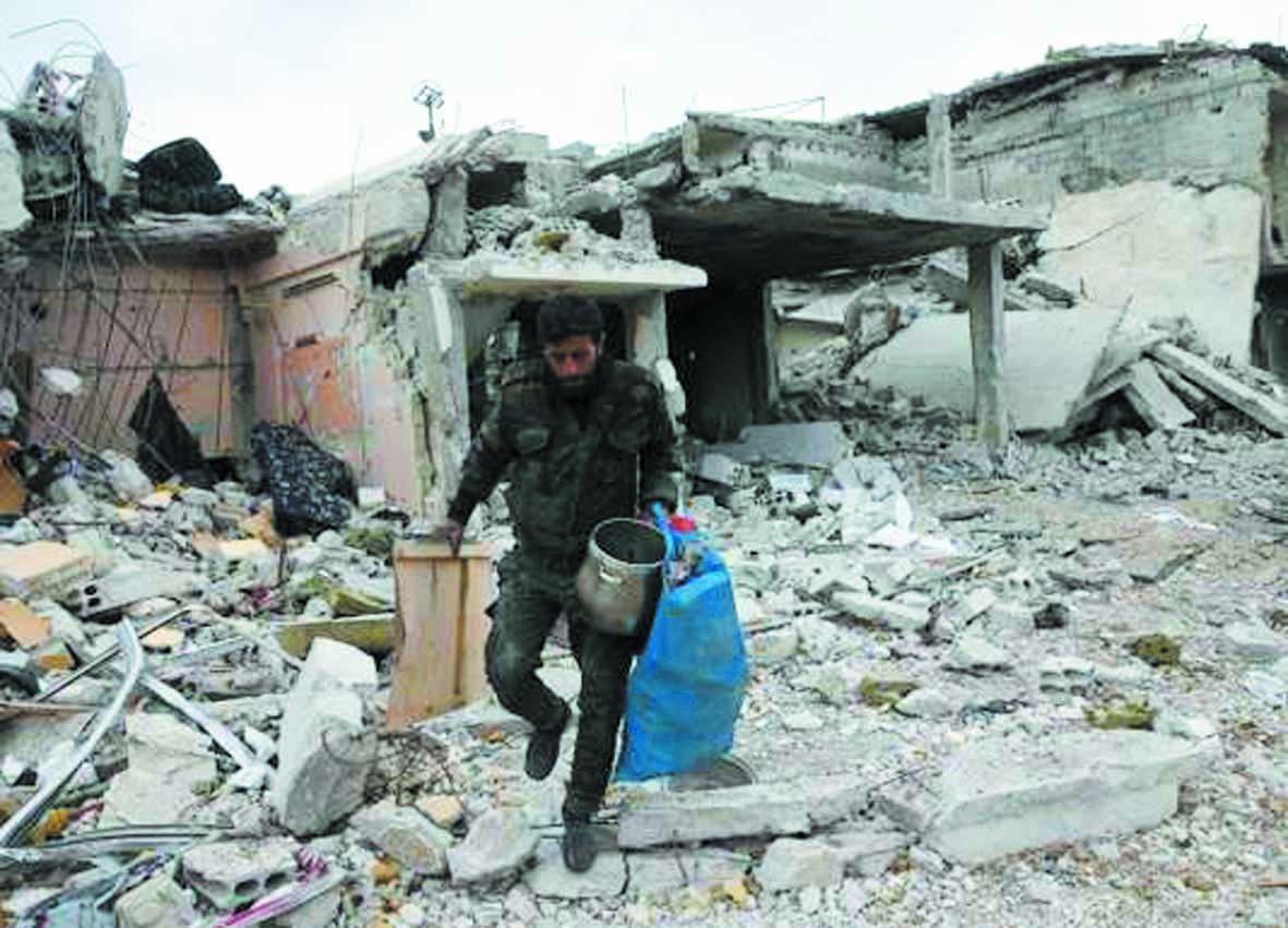 Un groupe rebelle syrien commence à évacuer la ville de Douma