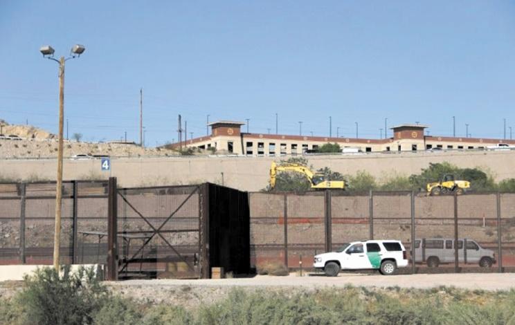 Le Texas va déployer plus de 1.000 soldats à sa frontière avec le Mexique