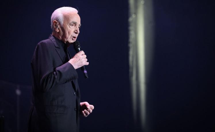 Aznavour annule un concert à cause d'un tour de reins