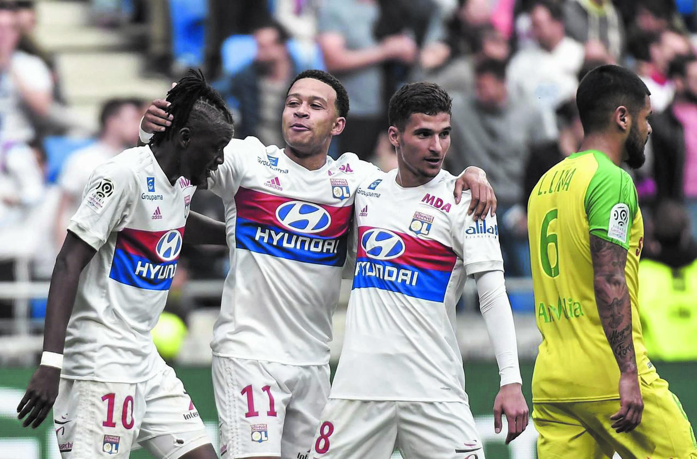 Lyon dépasse Monaco sur fond de guérilla olympique
