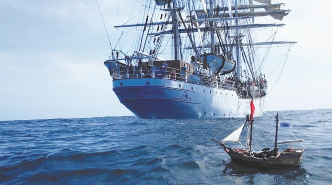 Un bateau Playmobil conçu par deux enfants écossais réussit un improbable tour du monde