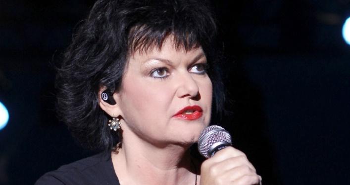 """Muriel Robin : Maurane avait """"la plus belle voix du monde"""""""