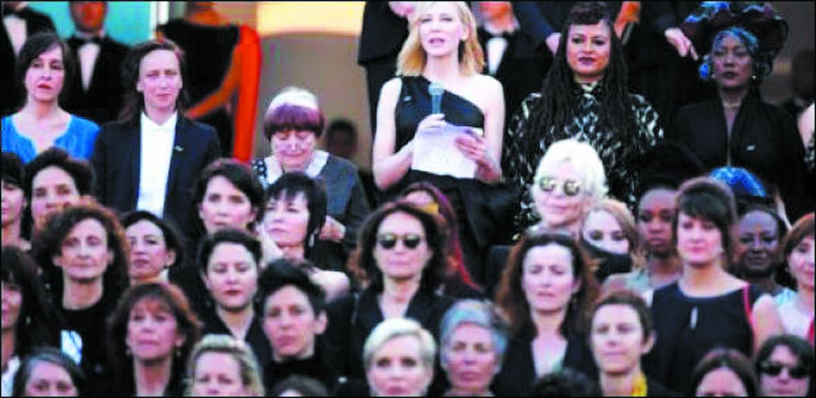 """Les femmes du 7ème art réclament """"l'égalité salariale"""" à Cannes"""