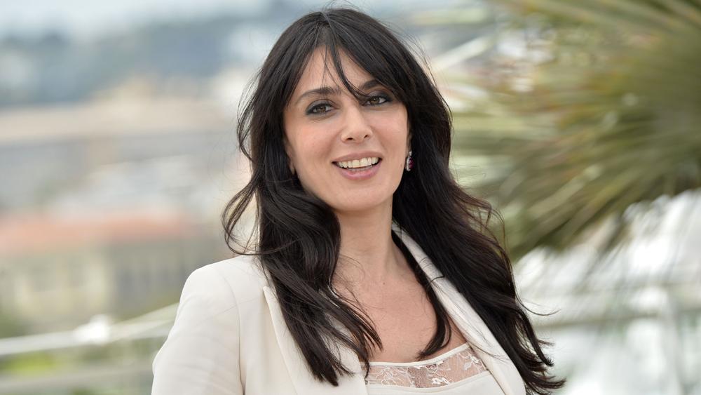 """Nadine Labaki, prix du jury, appelle à agir pour """"l'enfance mal aimée"""""""