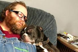 Blessé par balle par son chien