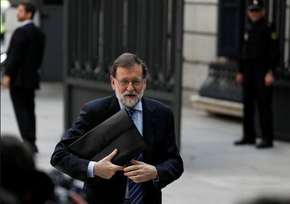 Pression accrue sur Rajoy pour des élections anticipées
