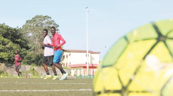 """Au Gabon, le """"foot est mort"""""""