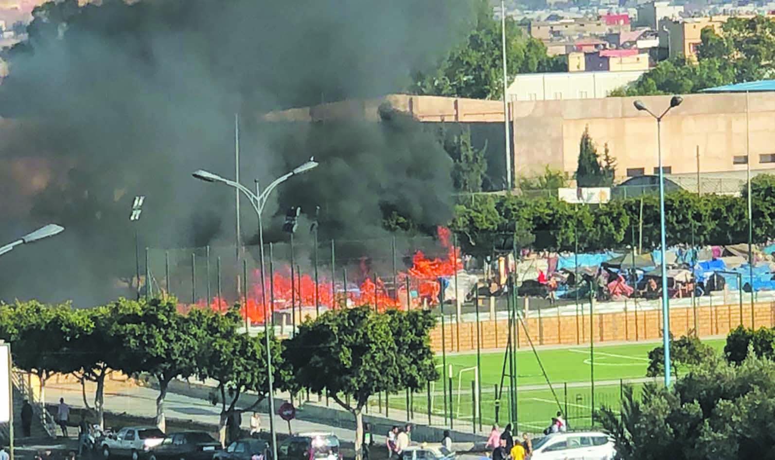 Les camps des migrants irréguliers en feu