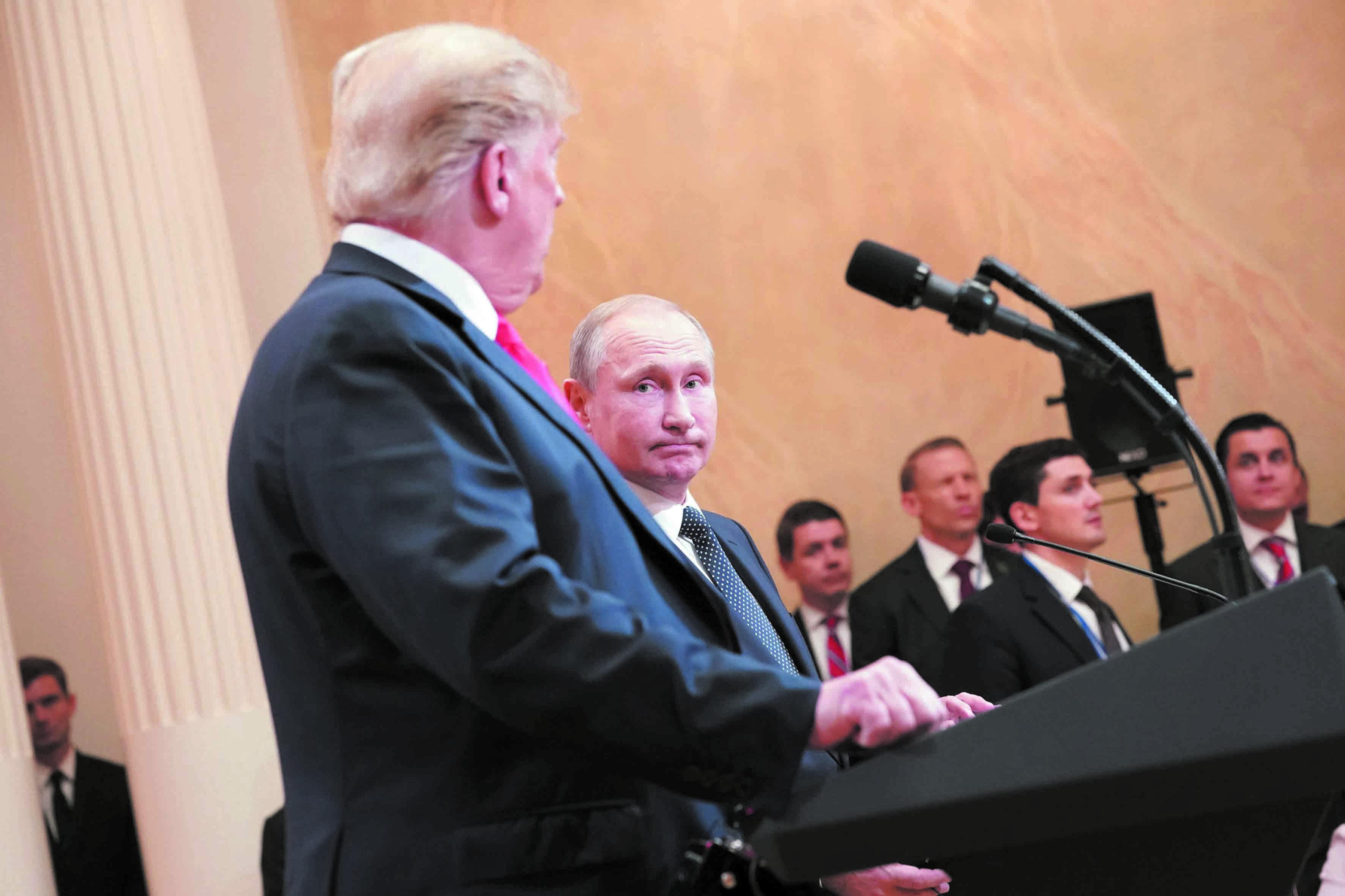 Trump renie les propos tenus sur l'ingérence russe