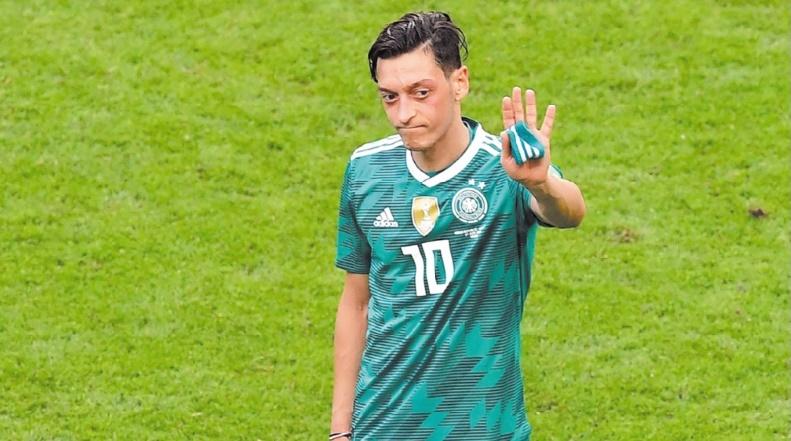 Özil met un terme à sa carrière internationale