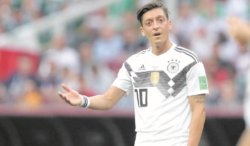 Scandale Özil : Le patron de la Fédération allemande de foot admet une erreur