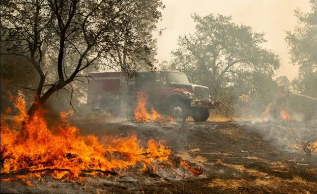 La sécheresse alimente des incendies meurtriers en Californie