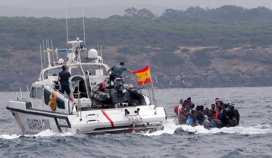 La faute à Madrid  L'opposition reproche au gouvernement espagnol sa gestion de la crise migratoire