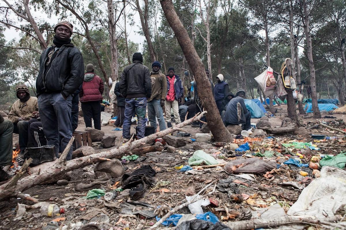 Rafles : Des centaines de migrants irréguliers  refoulés de Nador et Tanger et débarqués à Tiznit