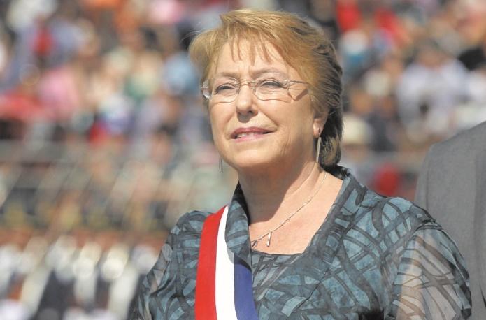 Michelle Bachelet, la première femme à la tête du Chili