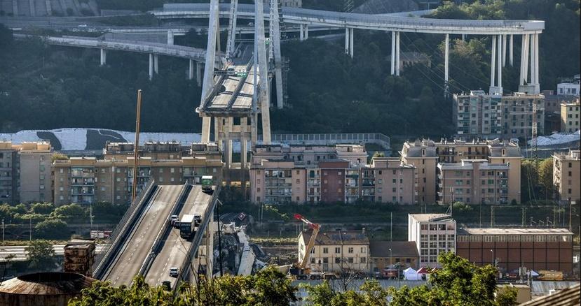 Les recherches continuent après l'effondrement du viaduc à Gênes