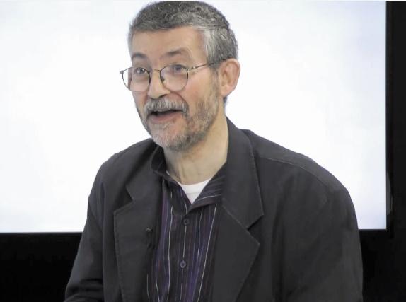 Entretien avec le journaliste et historien Dominique Vidal