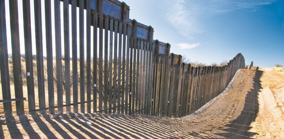 Le mur fantaisiste de Trump n'en finit pas de faire parler de lui